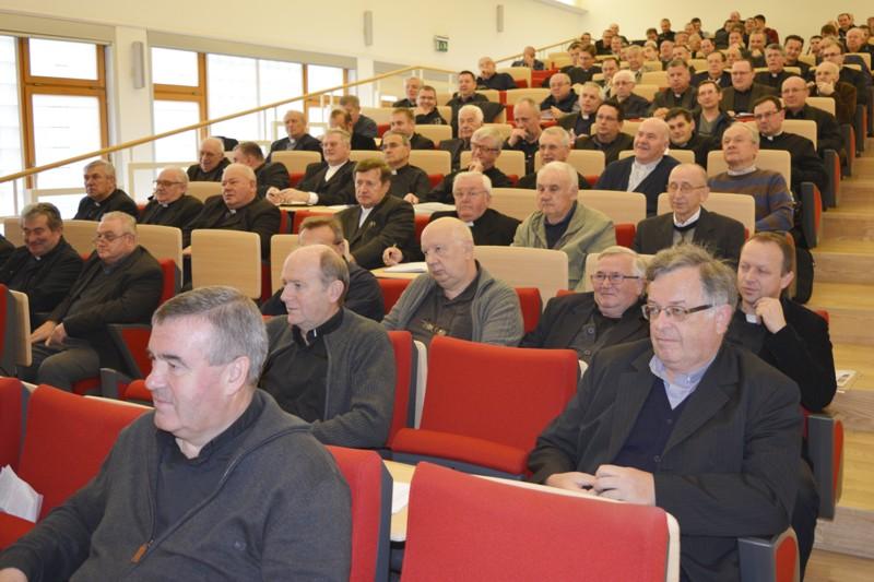 Susret svećenika Varaždinske biskupije posvećen važnosti župne kateheze