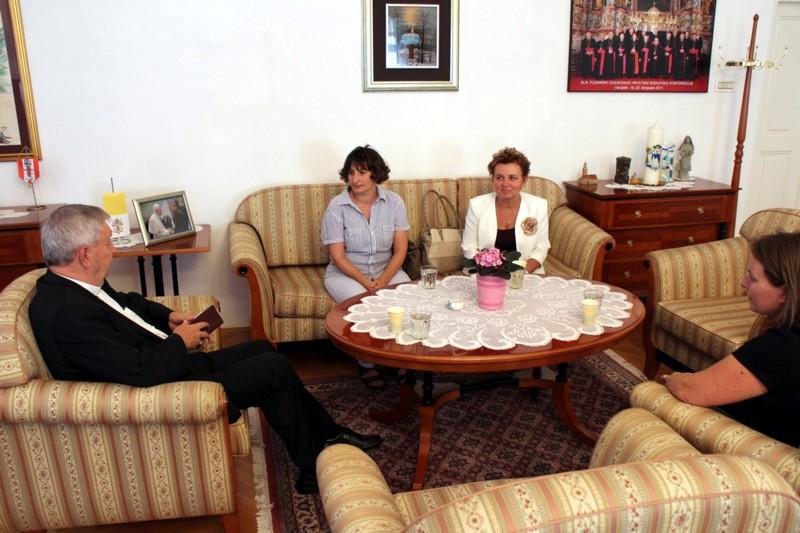 Biskup Mrzljak susreo se s članicama Hrvatske samouprave u Mađarskoj