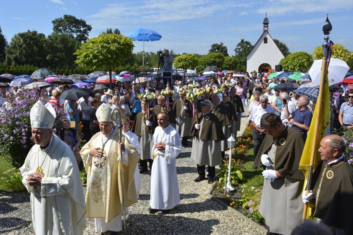 Proslava krunjenja u Schönstattskom svetištu u Maloj Subotici