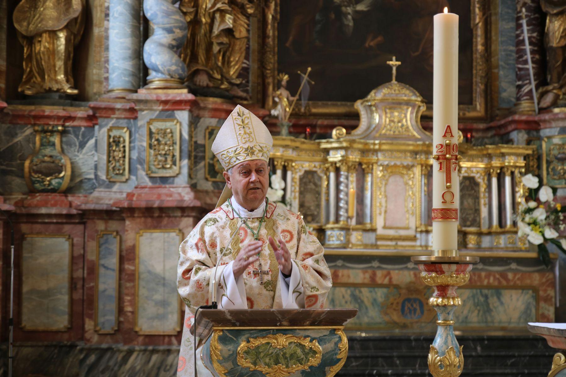 """Mons. Mrzljak predvodio uskrsno misno slavlje: """"U Isusovom uskrsnuću gledamo smisao našeg života"""""""