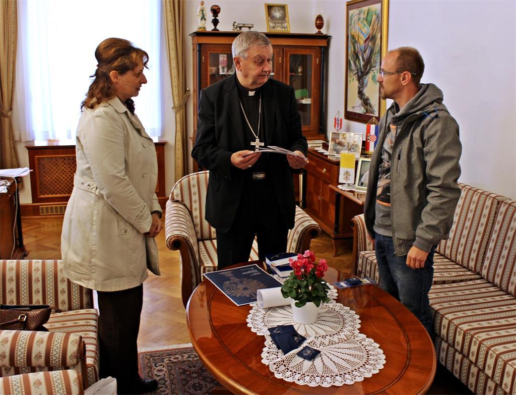 Predstavnici molitvene inicijative 40 dana za život kod biskupa Mrzljaka