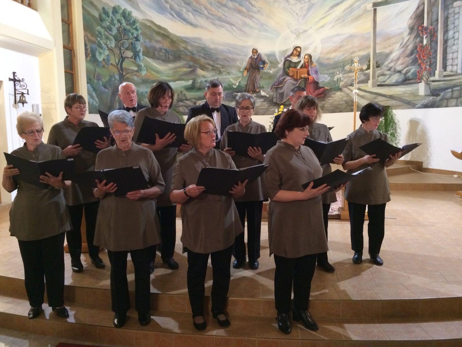 U crkvi svete Ane u Hlapičini održan susret župnih zborova Štrigovskoga dekanata