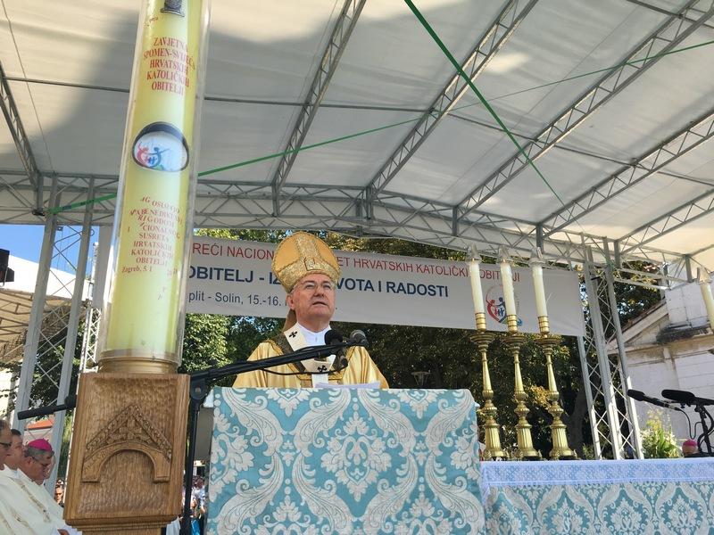 U Splitu i Solinu održan 3. Susret hrvatskih katoličkih obitelji, za tri godine domaćini Ludbreg i Varaždinska biskupija