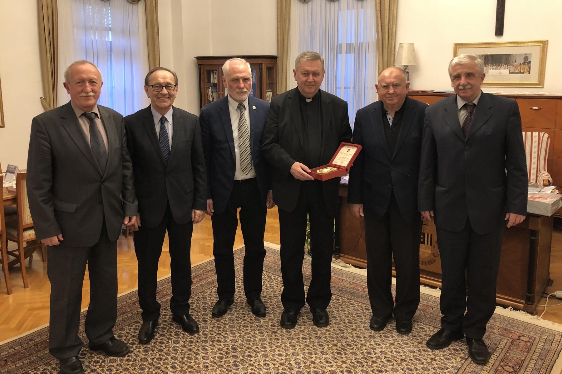 Zrinska garda Čakovec na primanju kod biskupa Mrzljaka