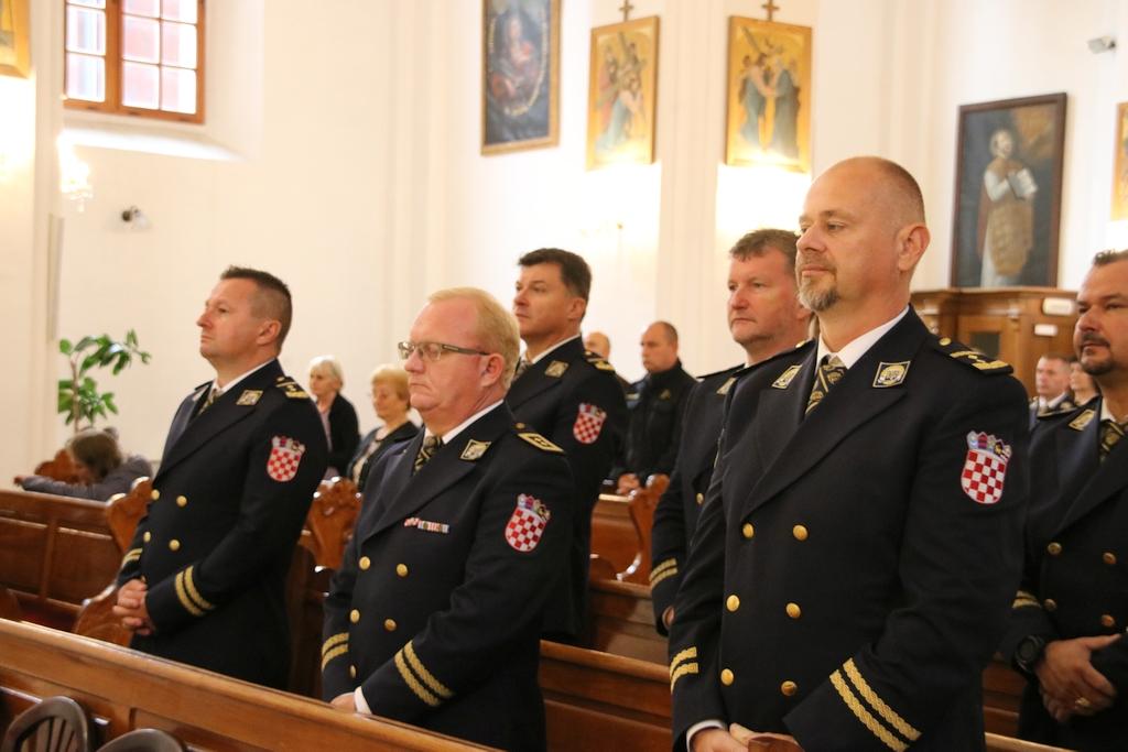 Sveta misa za poginule i preminule policajce povodom Dana policije i blagdana sv. Mihaela arkanđela